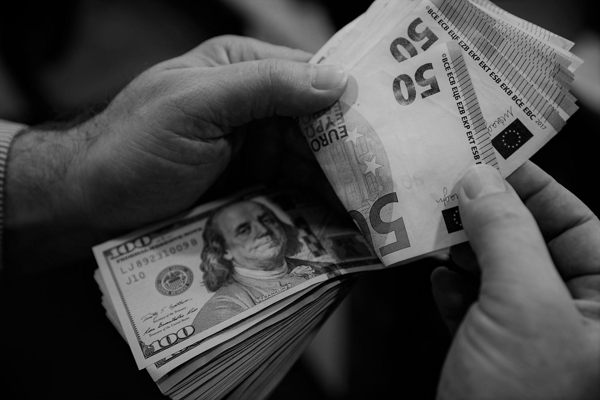 دلار ۱۵ هزار تومانی چه اثری روی بازارها دارد؟